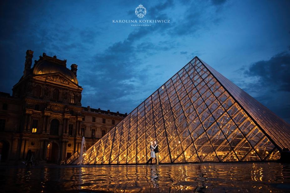 Louvre engagement session