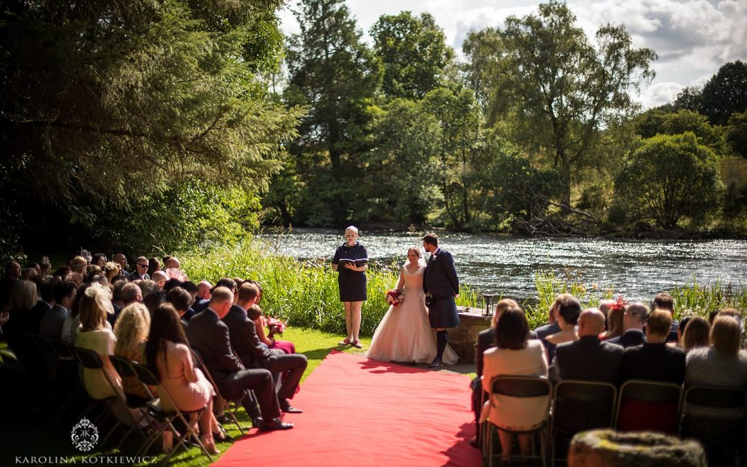 Sunny wedding at Roman Camp Hotel: Iain & Rachael